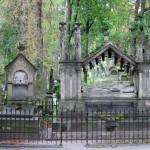 На Личаківському цвинтарі у Львові цьогоріч відреставрують 23 надгробки